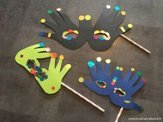DIY Mardi Gras – Au bal masqué ohé oh… – - Mardi Gras Kindergarten Activities, Activities For Kids, Arte Pink Floyd, Mardi Gras Activities, Carnival Crafts, Mardi Gras Costumes, Big Dot Of Happiness, Mardi Gras Party, Kids Corner