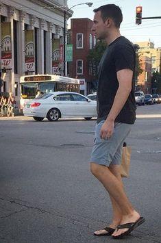 Hunks Men, Male Hunks, Mens Beach Shoes, Short Men, Preppy Men, Barefoot Men, Mens Flip Flops, Male Feet, Yoga