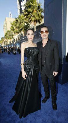 VIP.pt:. Internacional : Atacado na estreia do filme de Angelina Jolie