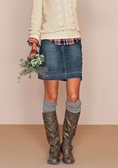 Inspiring skirt and boots combinations for fall and winter outfits 17