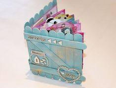 Mi flip flap flop book, o vaya, lo que es lo mismo, un mini álbum scrapbook Popsicle Stick Crafts, Craft Stick Crafts, Fun Crafts, Diy And Crafts, Crafts For Kids, Paper Crafts, Popsicle Sticks, Handmade Books, Handmade Gifts