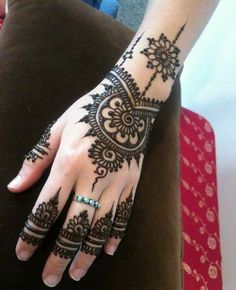 Easy Mehndi Design for Beginners!!