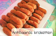 Antilliaanse Kroketten - Deze Antilliaanse kroketten worden gemaakt met gehakt, groenten en flink wat hete peper. Ze zijn steviger dan nederlandse kroketten en worden meestal iets dunner uitgerold. Afhankelijk van de groot...