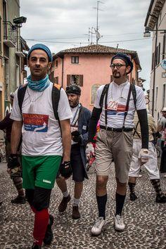 """La Punzonatura (1/9) - Foto del gruppo """"Sirmione Fotografiamo"""" per """"Coppa Cobram del Garda"""" © Ivano Roversi"""