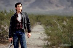 Thomas Howell - The Hitcher>>ponyboy you kill people with heaters>>AHAHAHAHA>>but it's still self defense from the killer hitchhiker, isn't it? The Outsiders Ponyboy, The Outsiders Cast, King Kong, The Hitcher, 1980s Films, Ralph Macchio, Really Hot Guys, Matt Dillon, Hot Actors
