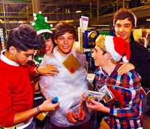 Inspiring picture christmas, fit, harry styles, hot, liam payne. Resolution: 500x336 px. Find the picture to your taste!