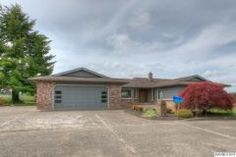 640 S Center St Sublimity, OR 97071 3 Br / 2 ba / 2,713 SF MLS#: 690358