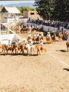 Charreada en El Arenal.
