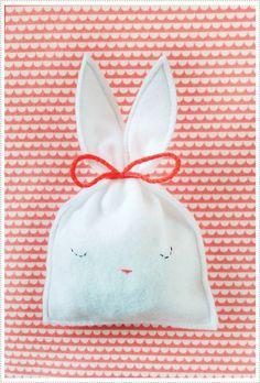 1. Sleepy Felt Bunny Bags | Bunnies Everywhere! 17 Of The Cutest Bunny-Shaped Crafts