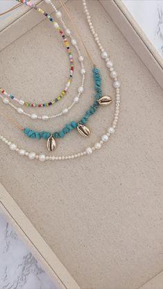 Handmade Wire Jewelry, Beaded Jewelry Designs, Handmade Bracelets, Necklace Designs, Diy Jewelry Necklace, Cute Jewelry, Necklace Ideas, Simple Necklace, Jewellery