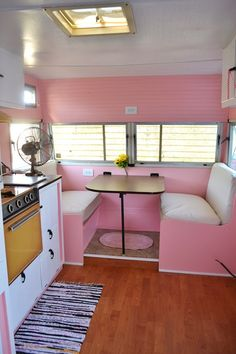 Wood floors in camper. I would live in my camper if it waa *pink* Vintage Campers Trailers, Retro Campers, Vintage Caravans, Camper Trailers, Happy Campers, Hippie Vintage, Vintage Rv, Vintage Hawaii, Vintage Pink
