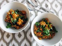 Quick & Easy Indian Curry Quinoa - Vegan, Gluten-Free, and ready in no time! via Vegangela.com