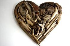 10. Καρδιά από ξύλα παραλίας