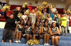 EGSC cheerleaders with new fans at NJCAA tournament in Hutchinson KS