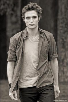 Edward Cullen from the Twilight movie series Edward Cullen Photo enhancement by Melbie Toast Twilight Saga Series, Twilight Edward, Edward Bella, Twilight New Moon, Twilight Movie, Twilight Poster, Edward Cullen Robert Pattinson, Robert Pattinson Twilight, Edward Cullen Actor