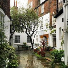 Of all the neighborhoods in London, Hampstead village has the best secret courtyards and little stairways.