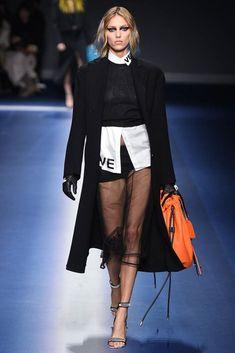 Versace Fall 2017 RTW Milan