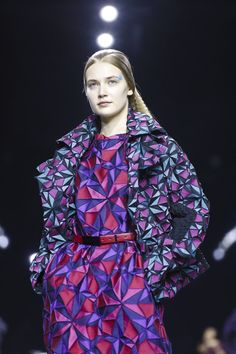 Issey Miyake Ready To Wear Fall Winter 2015 Paris