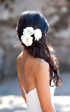 omg this is my favorite wedding hair look!