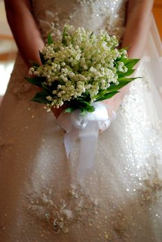 Virág ABC – a gyöngyvirág virag abc menyasszonyi torta menyasszonyi ruha menyasszonyi csokrok inspiracio emlekezetes eskuvok hires hazassagok eskuvo