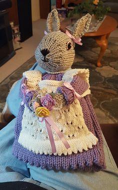 Tea Cosy Knitting Pattern, Tea Cosy Pattern, Animal Knitting Patterns, Free Pattern, Knitted Tea Cosies, Easter Bunny Eggs, Creative Knitting, Tea Cozy, Pattern Library