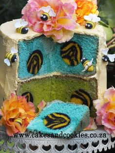 Bees Inside My Cakes  Cake by Terry