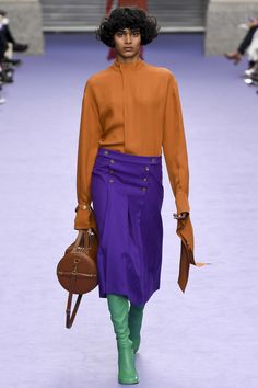 http://www.vogue.com/fashion-shows/fall-2017-ready-to-wear/mulberry/slideshow/collection