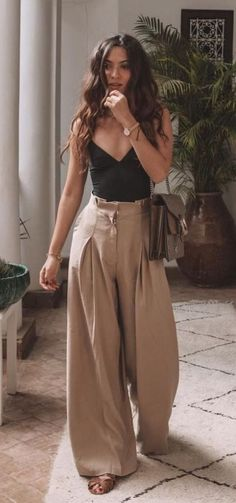 45 cutest summer outfits to try - Wass Sell outfits - cute outfit. 45 cutest summer outfits to try - Wass Sell outfits - cute outfits - 45 süßeste Sommeroutfits zum Probieren - Wass Sell Die mächtigsten Frauen in Business Wear Kleide Cute Summer Outfits, Cute Casual Outfits, Wide Leg Pants Outfit Summer, Women's Summer Clothes, Summer Outfits For Vacation, Casual Shopping Outfit, Outfits For Spring, Chic Outfits, Summer Dresses