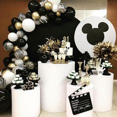 O ratinho mais famoso do mundo em preto e branco! from The most famous mouse in the world in black and white ! Mickey First Birthday, Wild One Birthday Party, Mickey Mouse Clubhouse Birthday, Birthday Party Tables, Mickey Mouse Parties, Mickey Party, Man Birthday, First Birthday Parties, Birthday Party Decorations