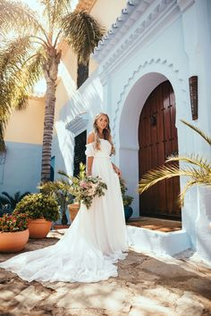 Janni and jon Olsson Wedding Pics, Wedding Styles, Wedding Dresses, Wedding Stuff, Bride Dresses, Wedding Weekend, Wedding Day, Bridal Pictures, Bridal Pics