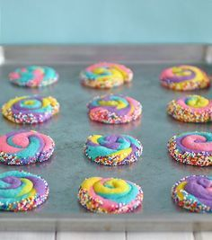 Love these brightly coloured cookies! For more rainbow treats, take a look at our PINWHEEL COOKIES http://bargainmums.com.au/pinwheel-cookies