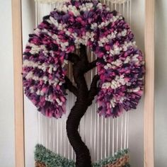 y Imagen relacionada Weaving Patterns, Stone Art, 4th Of July Wreath, Burlap Wreath, Lana, Macrame, Projects To Try, Arts And Crafts, Textiles