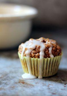 Chai-Spiced Pumpkin Oatmeal Muffins with Vanilla Bean Cream Cheese Glaze {healthy}