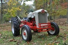 FORD JUBILEE Antique Tractors, Vintage Tractors, Vintage Farm, Mario Silva, 1954 Ford, Tractor Implements, Classic Tractor, Ford Tractors, Paint By Number Kits