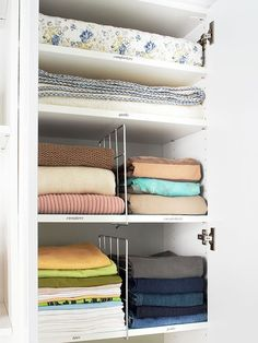 dividers between sweaters/t shirts/jeans
