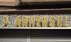 rètol botiga, Cervera. foto miquel
