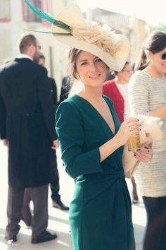 Love the turquoise & tan Derby Outfits, Wedding Guest Looks, Fancy Hats, Outfit Trends, Party Fashion, Dress Codes, Dress To Impress, Dress Up, Glamour