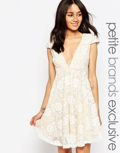 Jarlo Petite Hartley Plunge Neckline Swing Dress