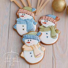 (50) Одноклассники Snowman Cookies, Christmas Sugar Cookies, Christmas Sweets, Noel Christmas, Christmas Goodies, Holiday Cookies, Christmas Baking, Gingerbread Cookies, Iced Cookies
