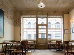 Das Restaurant dóttir ist der neueste Streich der Grill-Royal-Macher Stephan Landwehr und Boris Radczun. Das Interieur ist betont shabby-chic.