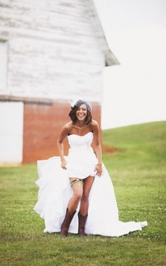 Bride with camouflage garter and cowboy boots. I'll have to take this shot if I get tan!