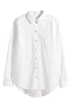 Długa koszula: Długa, prosta koszula z delikatnej tkaniny wiskozowej. Wąski…