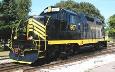 MSOU 907   Description:    Photo Date:  9/11/2004  Location:  White Pigeon, MI   Author:  Joe Rogers  Categories:    Locomotives:  MSO 907(GP9):
