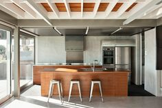 Kitchens: this seaside home has a heart of steel - Home