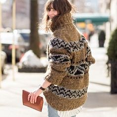 Knitwear Fashion, Knit Fashion, Sweater Fashion, Sweater Outfits, Thick Sweaters, Cool Sweaters, Pull Fila, Pull Jacquard, Cowichan Sweater