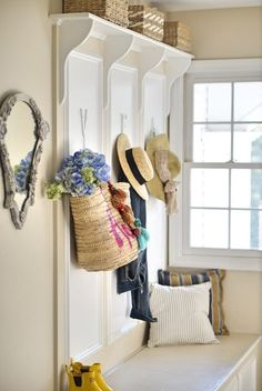 Summer #mudroom deco