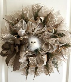 How to Make Burlap and Mesh Wreaths. Look at these wreath ideas to use deco mesh ribbon to brighten your home this season. Thanks Etsy Shop Craft N Relax for letting us feature! #wreaths #burlap #DIY