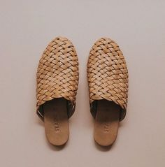 Tan Bunto Woven Loafers Our gorgeous Bunto Woven Loafers are that comfortable pair of slip on shoes you& been waiting for! Inspired by the traditional Kolhapuri Bunto shoe, these covered loafers are the perfect style for any outfit through the seasons. Crazy Shoes, New Shoes, Me Too Shoes, Sock Shoes, Shoe Boots, Shoes Sandals, Flat Sandals, Women's Flats, Flat Shoes