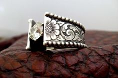 Antiqued western ring. IN LOVEEE!!!! hint hint ;)