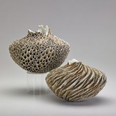 ANNE GOLDMAN Two porcelain and stoneware vessels : Lot 559